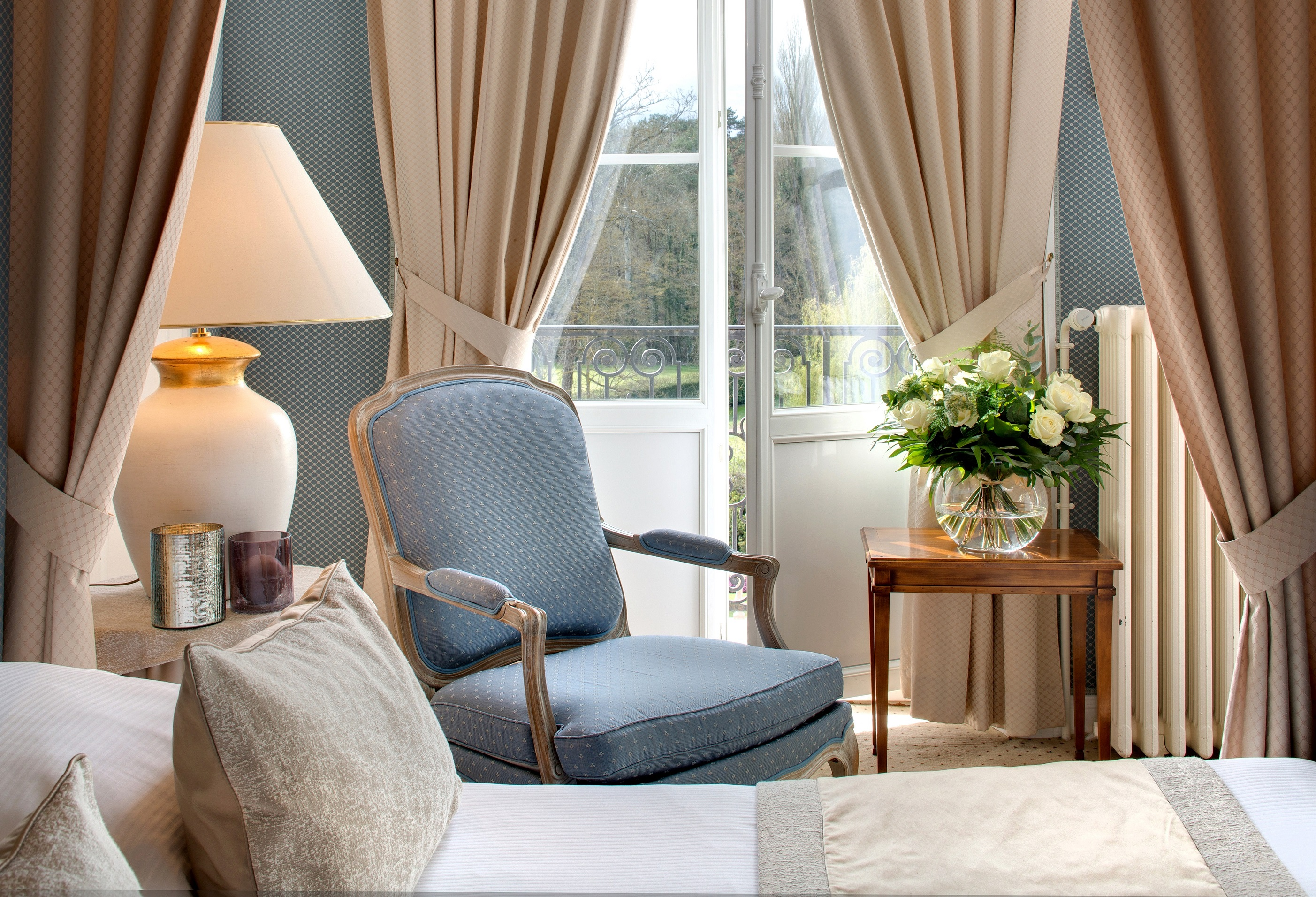 271/Domaine_Vaugouard/Chambres/Chambre_Deluxe_Chateau-_vue_golf-WEB.jpg