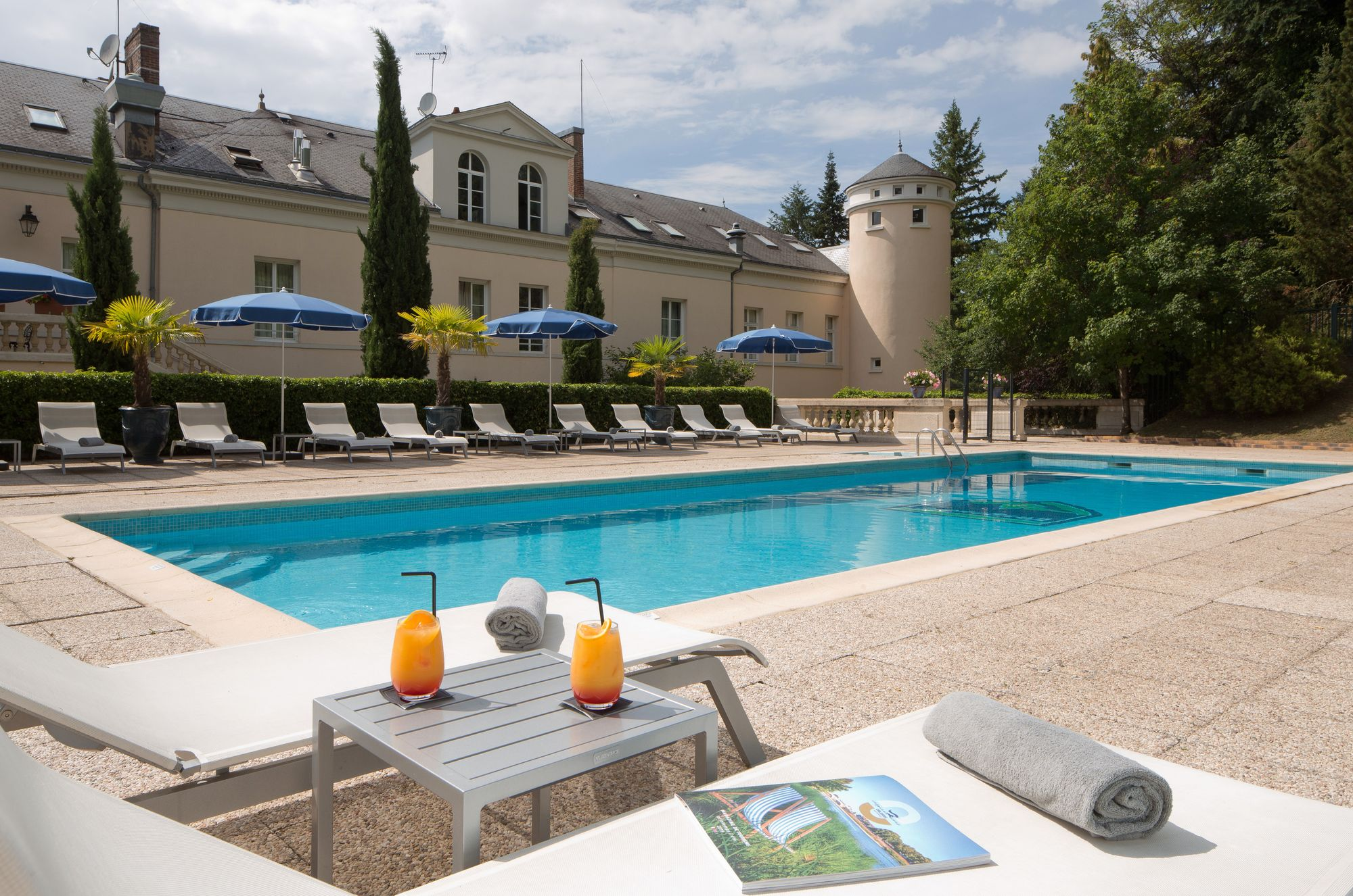 Le Domaine  de Vaugouard **** | Hotel Near Paris | Swimming pool