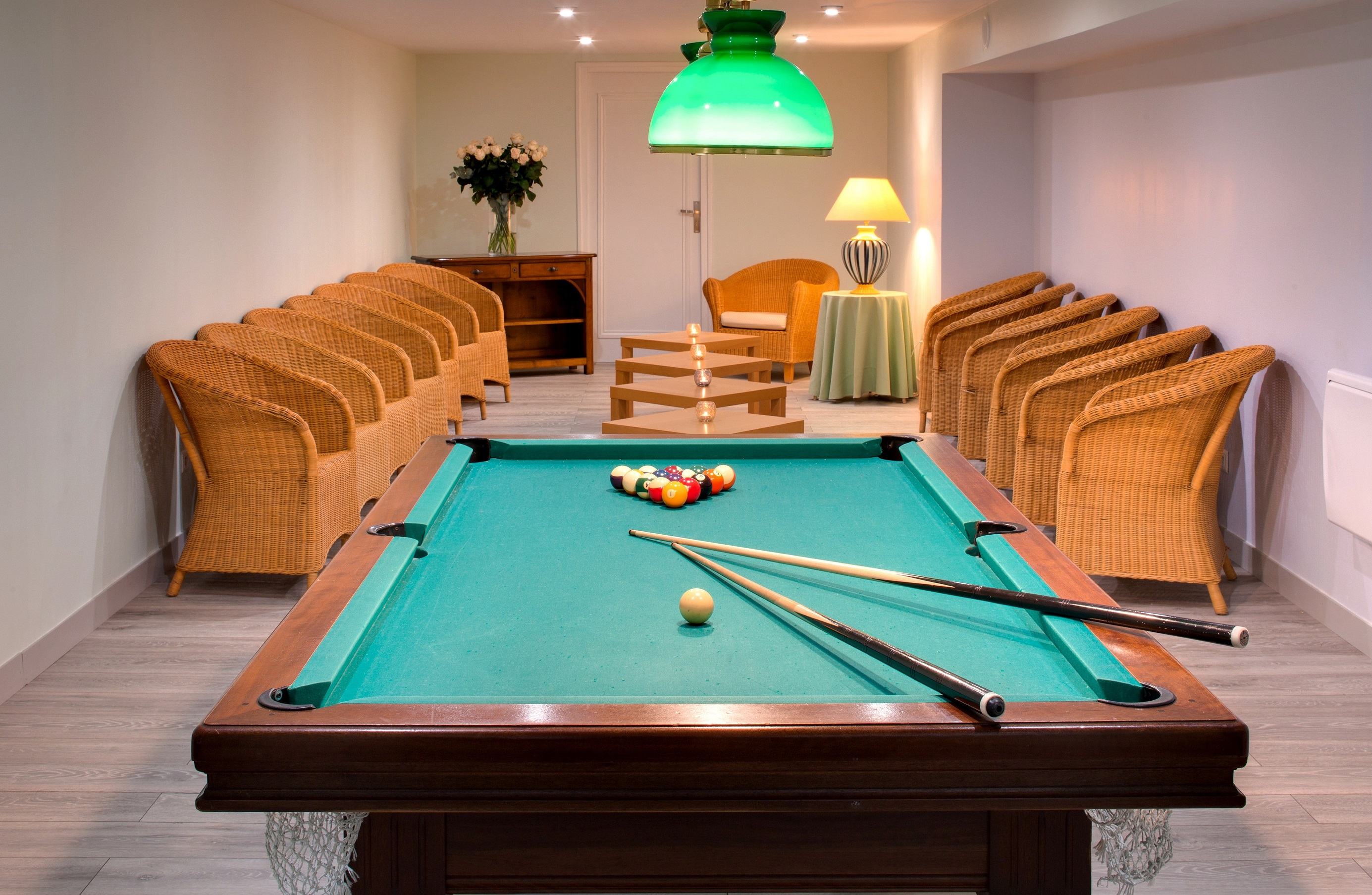 Domaine de Vaugouard **** | Orleans France Hotels | billard table